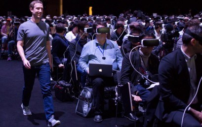 Mark Zuckerberg presenta les seves ulleres de Realitat Virtual al MWC de Barcelona