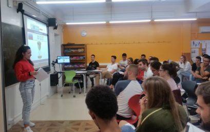 Els estudiants d'Administració i Finances defensen les idees per al seu projecte empresarial